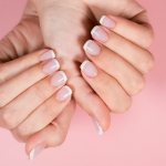 French Maniküre Nails